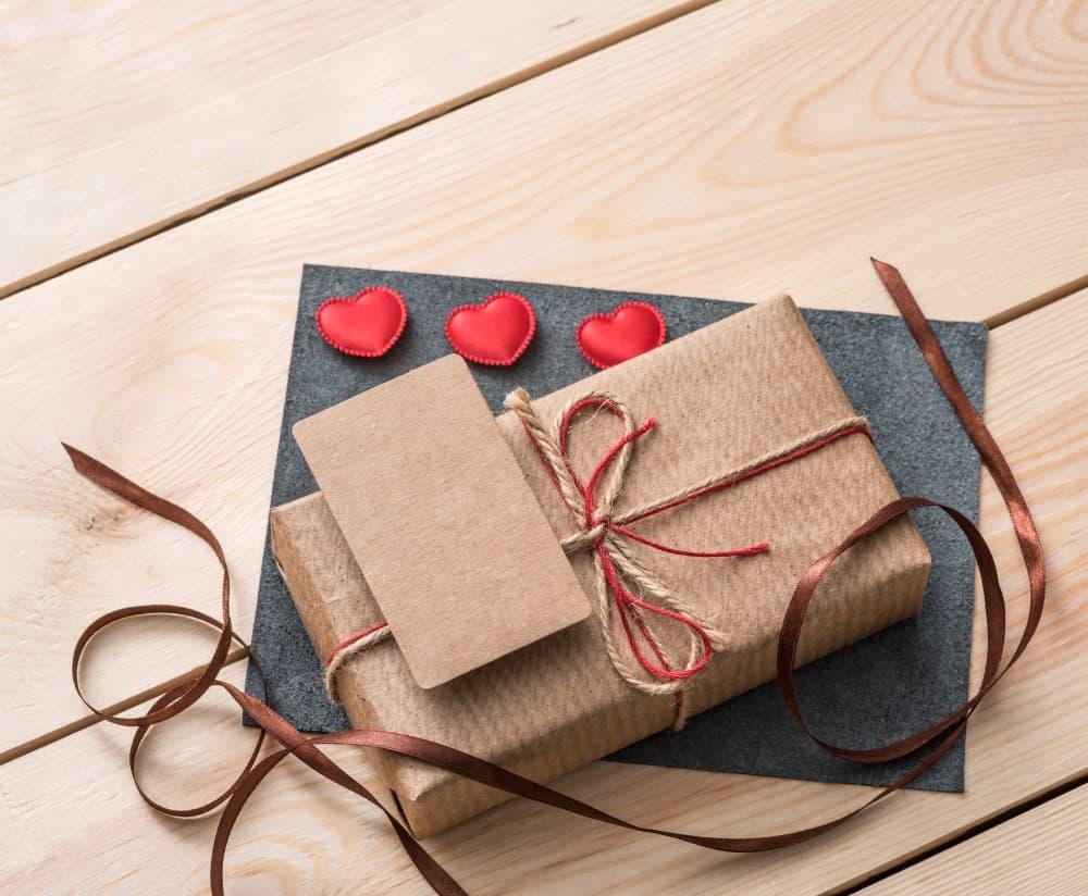 Read more about the article 3 gode idéer til bryllupsgaven, hvis du mangler inspiration